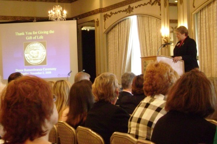 Pam speaking at NJ Donor Recognition Ceremony NOv 2008